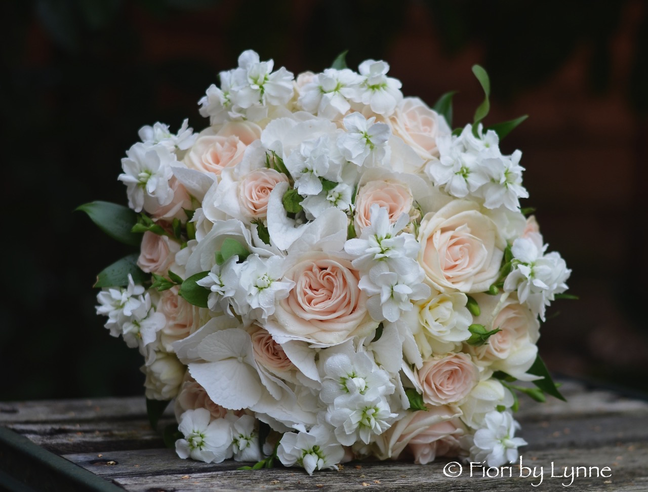 White Wedding Flowers In August August Wedding Flowers Can Have