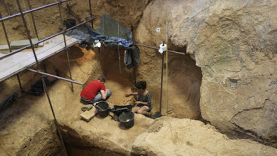 braholo cave excavation research - indonesia archaeology news