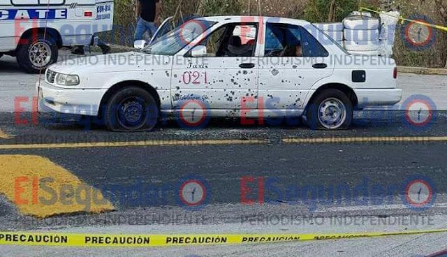 Los tripulantes de un taxi colectivo de la ruta Teloloapan-Iguala, fueron emboscados