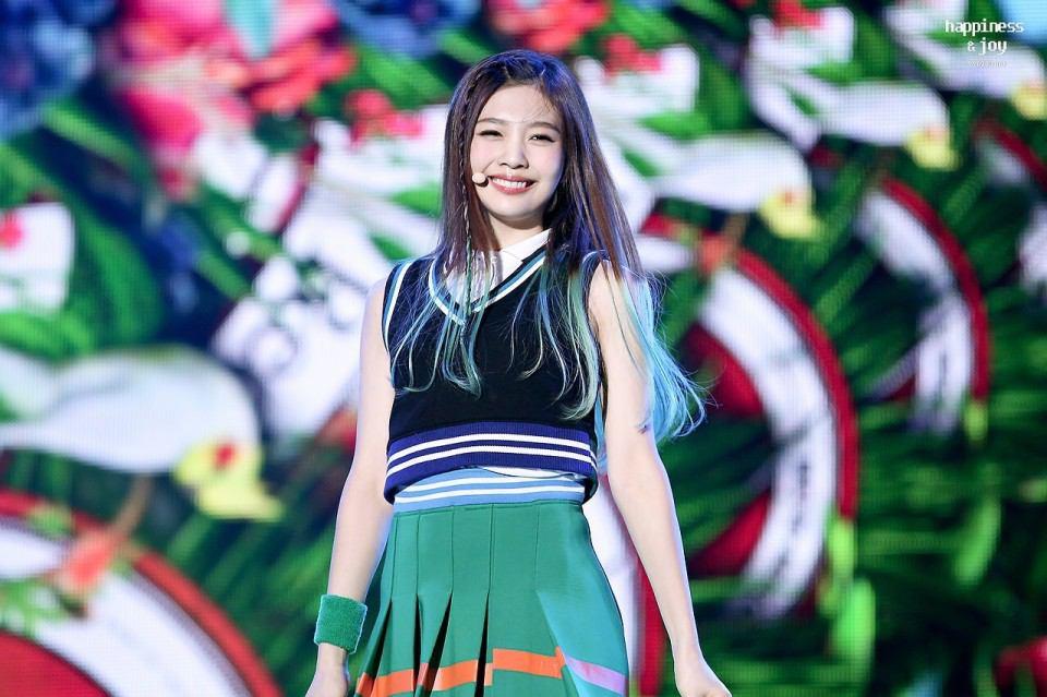 Joy Red Velvet saat debut