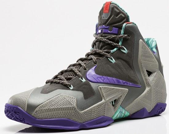 6a720df621b8 Nike LeBron 11