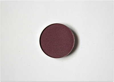 "Honeybee Gardens Pressed Mineral Eyeshadow in ""Daredevil"""