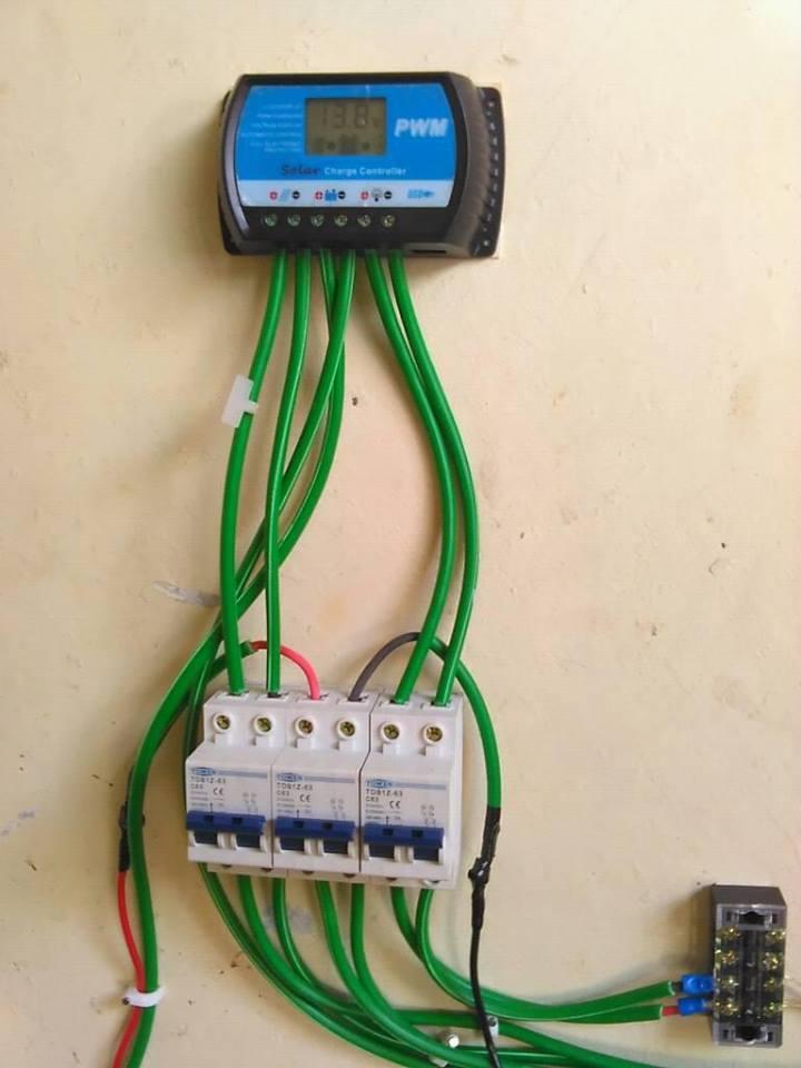 Membangun Pembangkit Listrik Tenaga Hybrid Panel Surya Dan