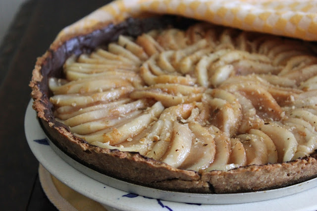 https://cuillereetsaladier.blogspot.com/2016/08/tarte-poires-chocolat.html