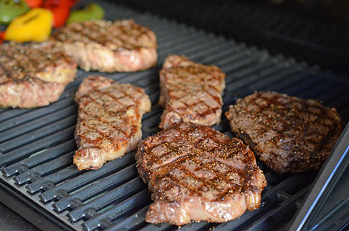 #NowYoureCookin Char-Broil TRU Infrared Commercial Grill steak recipe for Memorial Day parties