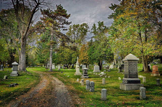 8 Top Haunted Cemeteries In Oklahoma