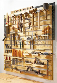organizador de herramientas hecho con palets de madera
