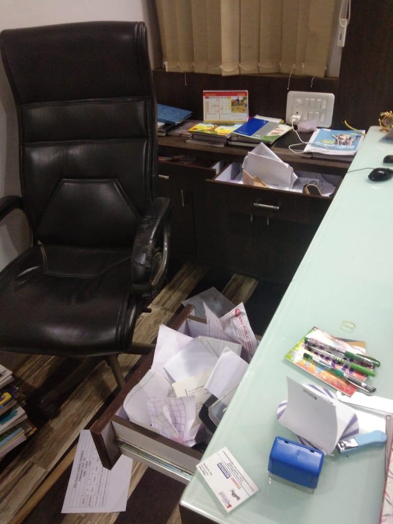 Thandla News- थान्दला निजी विद्यालय में चोरी, भृत्य को आई गम्भीर चोटें