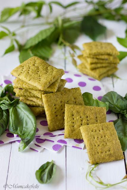 ricetta crackers verdi al pesto