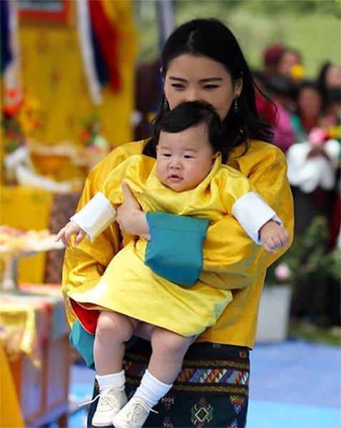 The Gyalsey Jigme Namgyel Wangchuck visited Bumthang region (Beautiful Girls Valley) King Jigme Khesar Namgyel Wangchuck and Queen Jetsun Pema