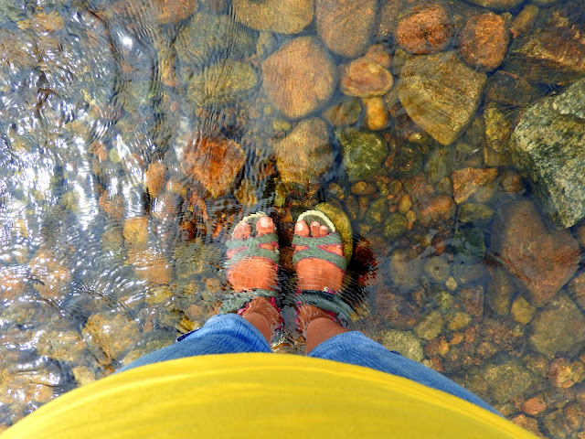 The joys of slow travel let you begin by wetting one foot at a time | Valparai, Tamil Nadu (May 2016)