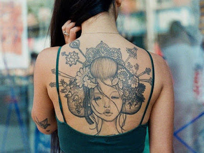 Latest-Stylishly-Challenging-Back-Tattoos-Ideas-for-Women-13