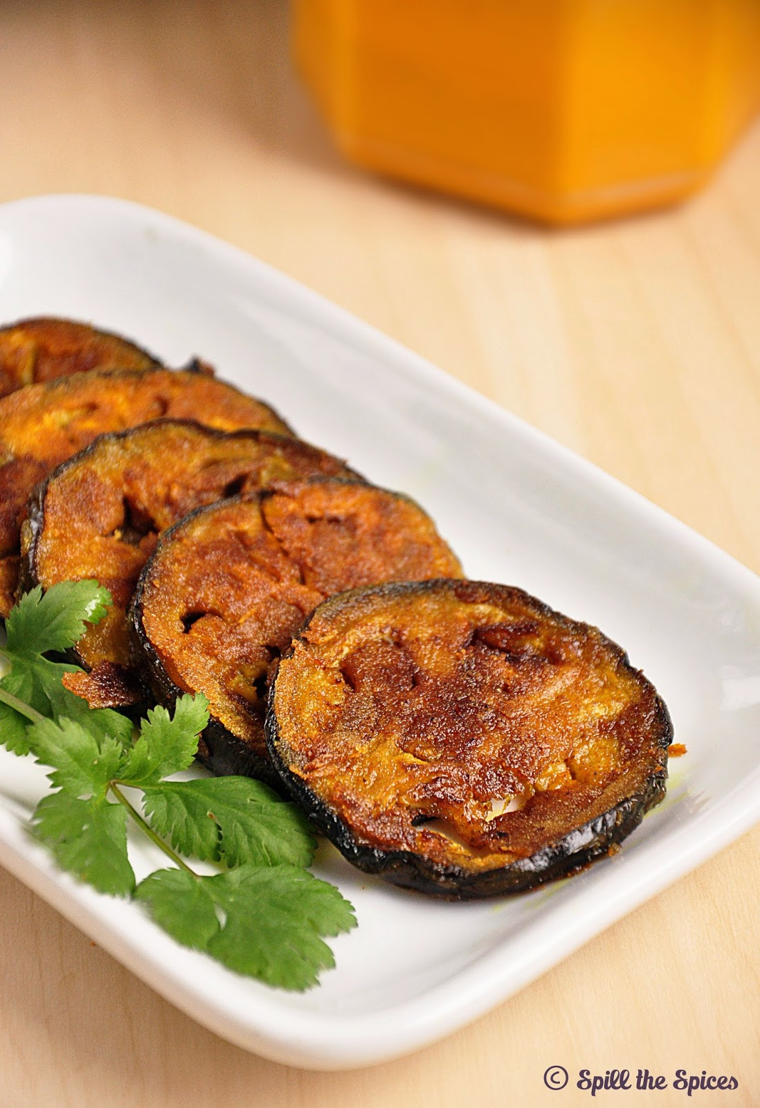 Begun Bhaja | Bengali Eggplant Fry | Spill the Spices