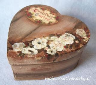 http://moje.creativehobby.pl/2015/09/jak-uzyskac-efekt-malowanego-drewna-decoupage.html#