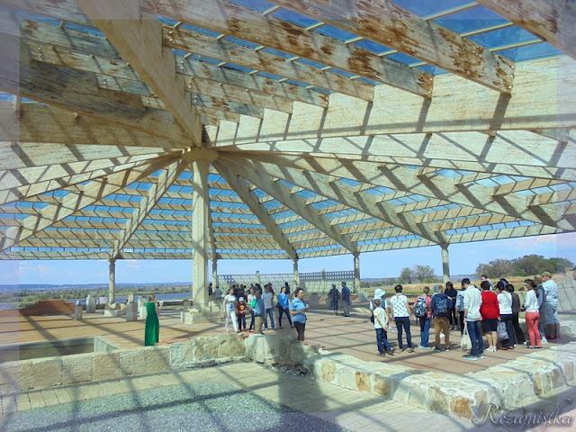 купол для сохранения памятника