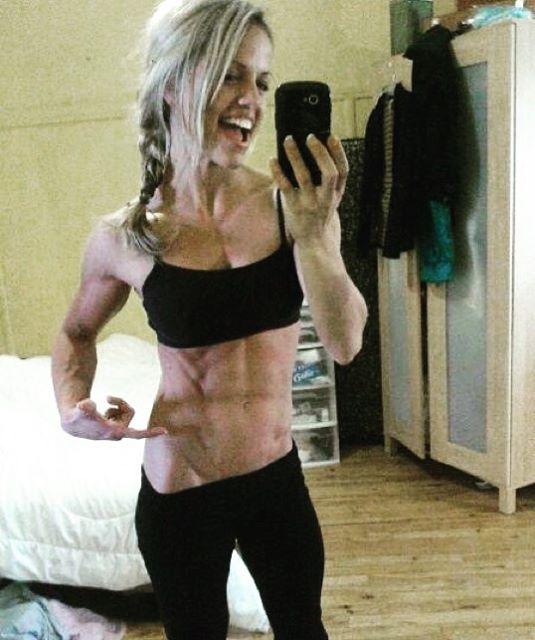 Fitness Model Emilie Provencher 1