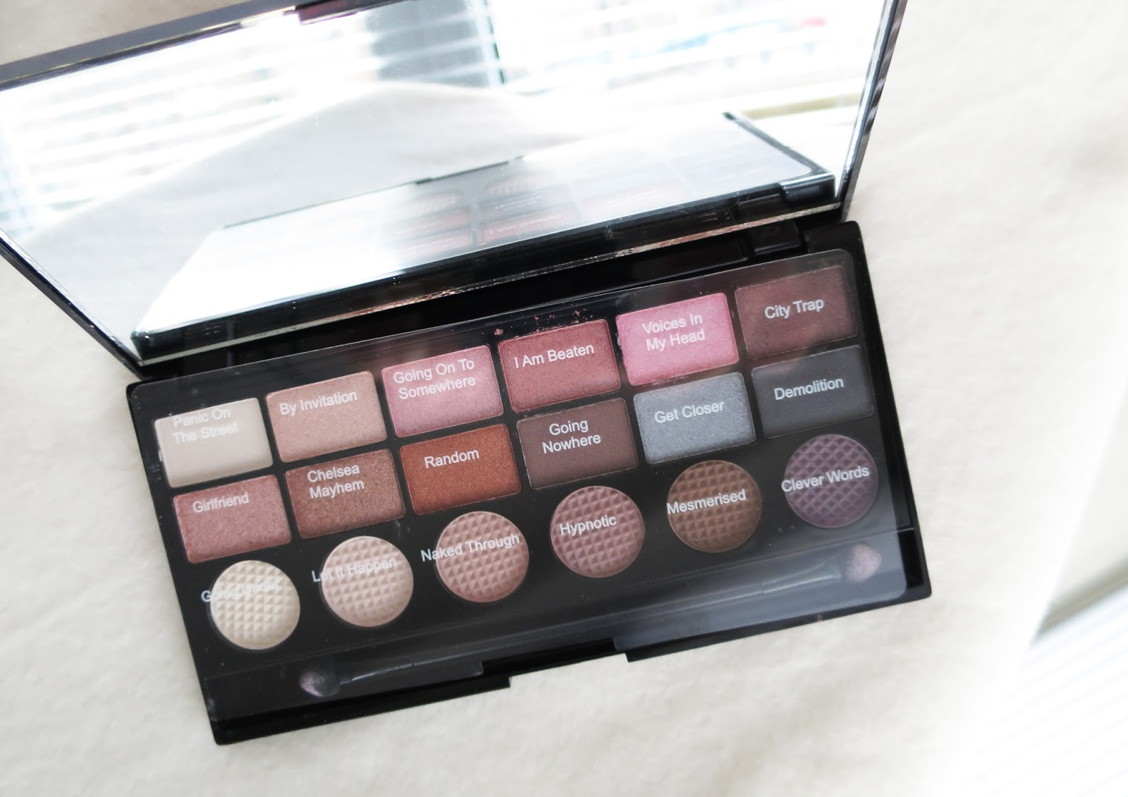 MAKEUP REVOLUTION: SWATCHES / REVIEW   Little Miss Fii