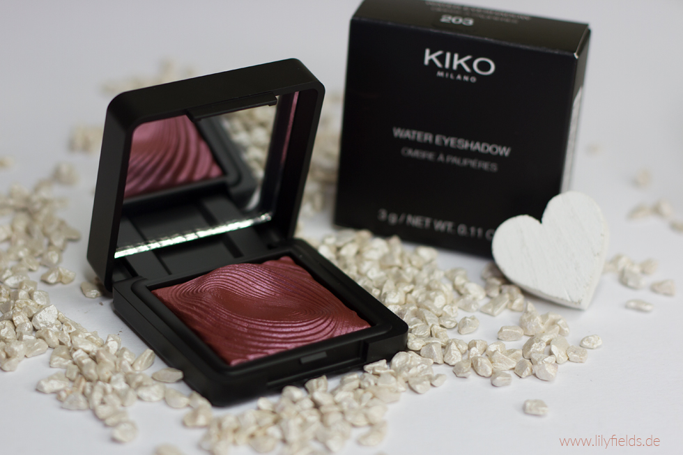 Foto zeigt Kiko Water Eyeshadow 203 Burgundy