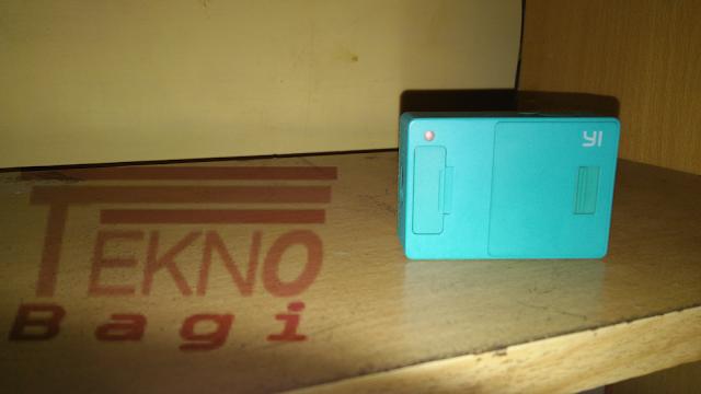 Pahami Indikator LED Xiaomi Yi - Bagian Belakang