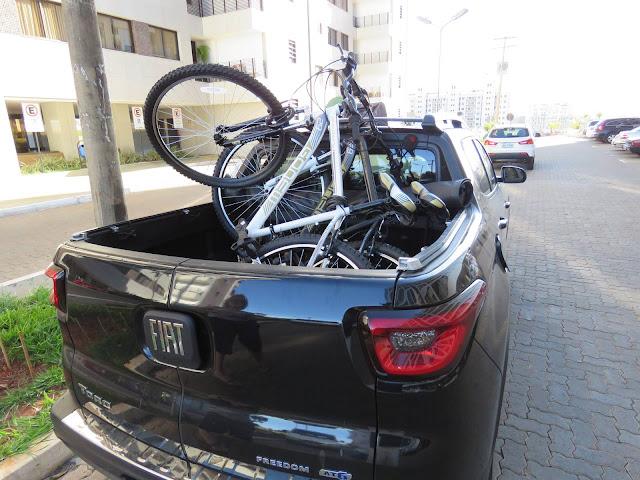 Fiat Toro - caçamba com bicicletas
