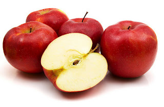Apel memiliki banyak kandungan nutrisi, antioksidan, flavonoid, dan kaya vitamin. Semua kandungan gizi tersebut sangat baik untuk kesehatan paru-paru. Juga membantu mencegah gangguan saluran pernafasan seperti bronchitis.