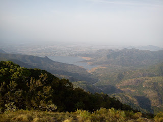 Manimutharu dam from Kuthiraivetti view point