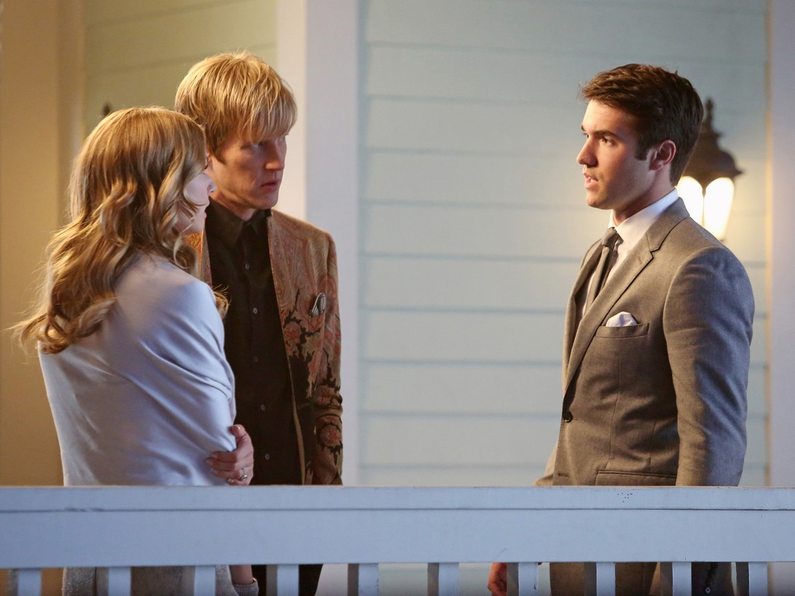 Revenge - Season 2 Episode 20: Engagement