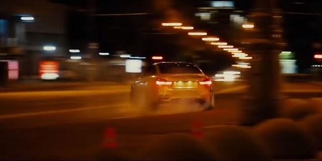 Οδηγικό σόου στους δρόμους της Μόσχας με μια BMW Μ4 και επικίνδυνη οδήγηση στα όρια της παράνοιας... (βίντεο)