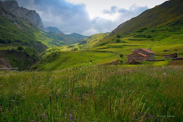 Valle de Trabanco Parque Natural Somiedo Asturias