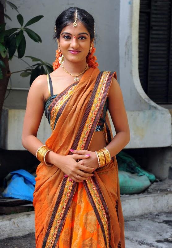 Kerala Mallu Bhabhi Sruthi In Sexy Saree - Kerala Hot Sexy -8302