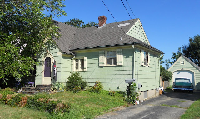 43 beacon st middletown ri