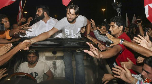Shahid Afridi HD Pics 2/4