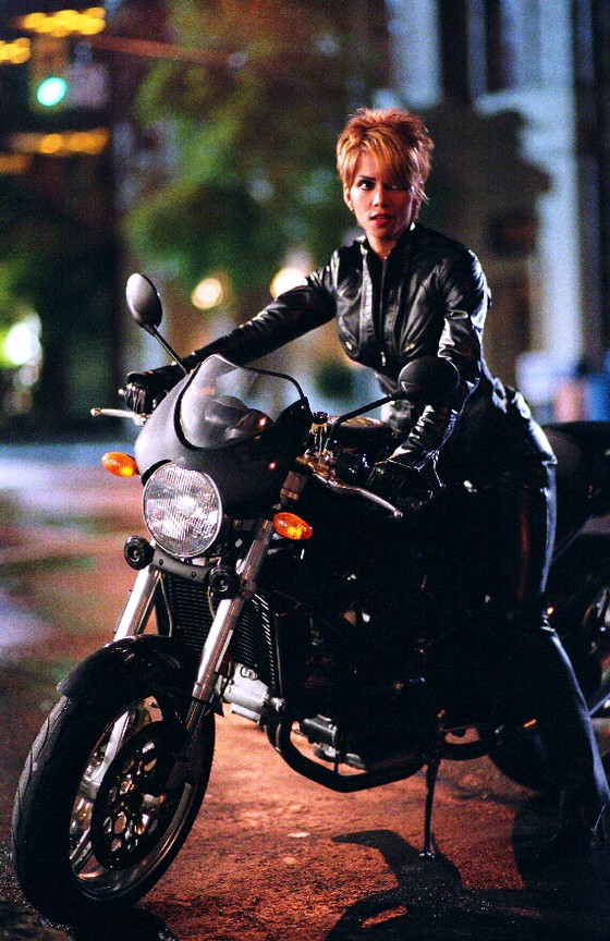 Catwoman 2004 full movie free-1174