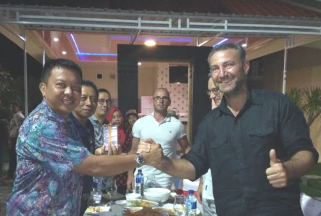 Investor Eropa, Lirik Keindahan Pulau Selayar