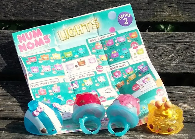 Num Noms Series 4 and Num Noms Lights Series 2.1 - Review Rings lights