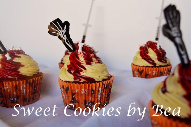 Cupcakes red velvet sangrientos #Halloween