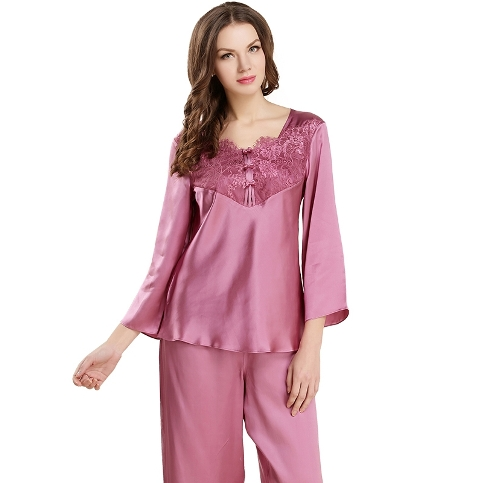 19 Momme Soft Feminine Lace Silk Pajama Set
