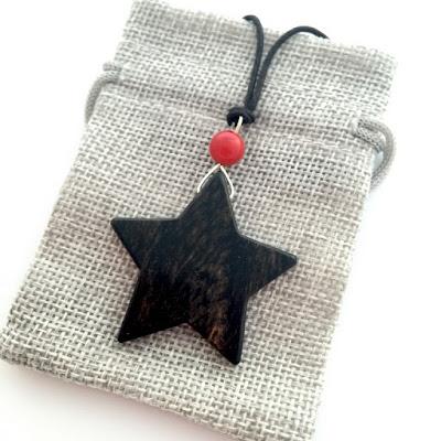 colgante estrella de madera