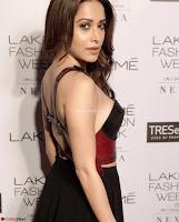 Nushrat Bharucha New Bollywood sensation from Sonu Ke u Ki Sweety Exclusive Unseen Pics ~  Exclusive Gallery 008.jpg