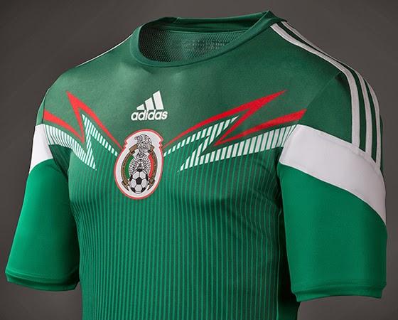 b5d96ffbe67dc Camiseta de la Selección Nacional Mexicana de futbol para el Mundial de  Brasil 2014