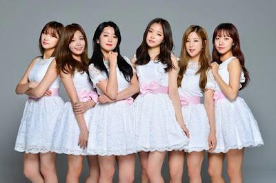 Biografi Apink     Apink (bahasa Korea: 에이핑크) adalah grup vokal wanita asal Korea Selatan yang beranggotakan 6 orang di bawah A Cube Entertainment yang dibentuk pada tahun 2011. Mereka sangat terkenal dengan imej mereka yang selalu imut dipanggung musik, melainkan sangat berbeda dengan kebanyakan girlband korea selatan masa kini yang kebanyakan memiliki konsep seksi dan dewasa. Grup ini terdiri dari pemimpin Park Chorong, Yoon Bomi, Jung Eunji, Son Naeun, Hong Yookyung, Kim Namjoo dan maknae Oh Hayoung. Hong Yookyung keluar pada April 2013. [Wikipedia Indonesia]  Nah,Apink ini adalah Girlband Korea favorit saya,karena selain membernya yang cantik - cantik,mereka semua juga imut - imut. Saya paling suka sama Yoon Bomi karena entahlah,suka aja :v. Berikut ini akan saya bahas mengenai biodata/profil dan juga fakta - fakta unik mengenai masing - masing dari personel apink ini,silahkan disimak ya :D  1.Park Chorong  Park Chorong merupakan member tertua dan juga berperan sebagai leader di girlband apink. Chorong ini mempunyai suara yang sangat tinggi seperti lumba - lumba bahkan mengalahkan Eunji yang merupakan main vocal dari apink,namun Chorong katanya tidak dapat mengolah suaranya dengan baik. Berikut adalah biodata dan juga beberapa fakta unik mengenai leader apink Park Chorong.  Biodata  Nama Panggilan : Chorong (초롱)   Nama Lengkap : Park Chorong (박초롱)  Tanggal lahir : March 3, 1991   Tempat Lahir : Chungcheongbuk-do, South Korea   Tinggi Badan : 163 cm  Berat Badan : 46 kg  Golongan Darah : O  Hoby : Dance dan Taekwondo  Agama : Kristen (Katolik)  Twitter : http://twitter.com/Apinkpcr   Instagram : @Mulgokizary   Fakta unik  1. Tipe darah Chorong adalah O  2. Sekolah Chorong: TK Byungsul – SD Bukang – Middle – SMA Choongbook  3. Hobbi Chorong adalah menonton film, mencuci piring, hapkido  4. Chorong menggambarkan dirinya sebagai orang yang sangat pemalu pada awalnya tetapi sebenarnya dia itu ramah.  5. Chorong sebenarnya melakukan audisi untuk JYP tetapi diterima ol