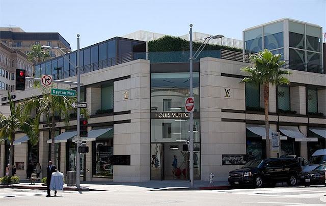Rua Rodeo Drive para compra de sapatos em Los Angeles