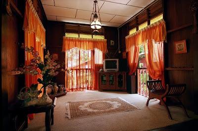 Hiasan Dalaman Ruang Tamu Rumah Kampung 5