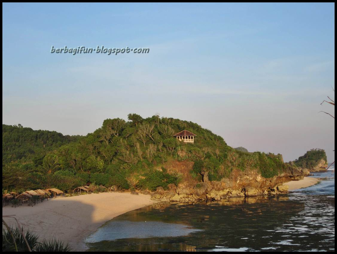 Semalam di Pantai Sundak Jogja  JALAN JALAN MAKAN MAKAN