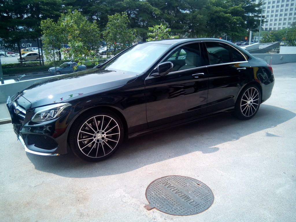 Motoring-Malaysia: SHORT TEST DRIVE: MERCEDES BENZ W205 C-CLASS C300