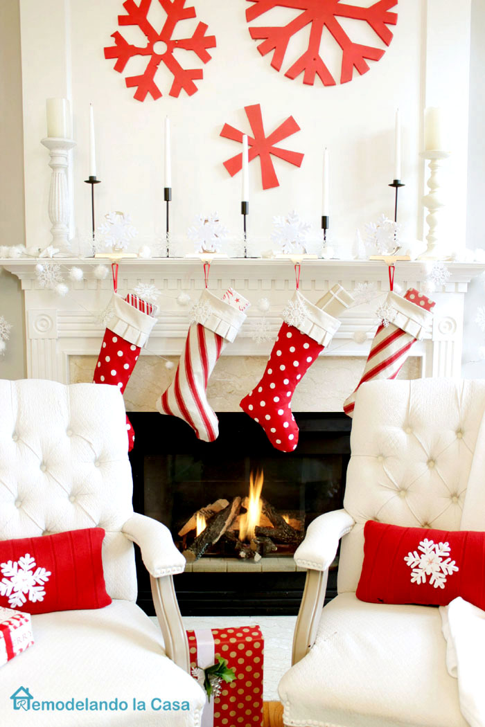 red snow flake wall art - candles and stockings