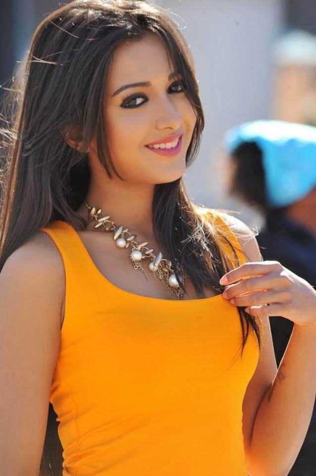 Cute Pics For Wallpaper Hd Kannada Malayalam Amp Telugu Films Actress Catherine Tresa