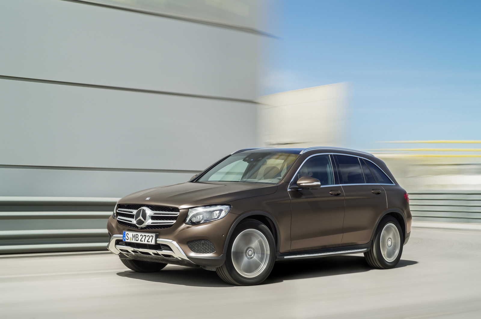 Mercedes suvs help it increase its us sales lead over for Mercedes benz usa dietmar exler