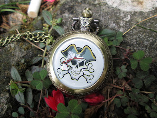 Jam Saku Antik P1115 Pirate Skull With Necklace Chain