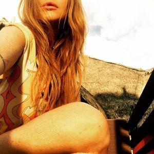 Lindsay Lohan, paha putih mulus, montok mandi